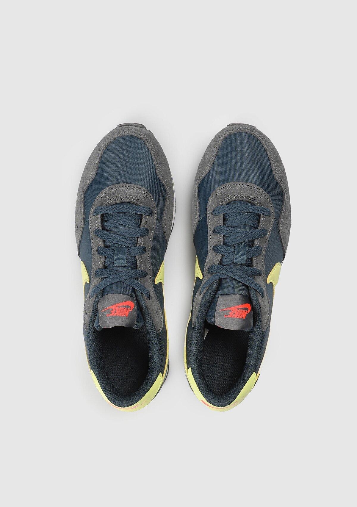 resm Md Valiant Gri Kadın Spor Ayakkabı Cn8558-400