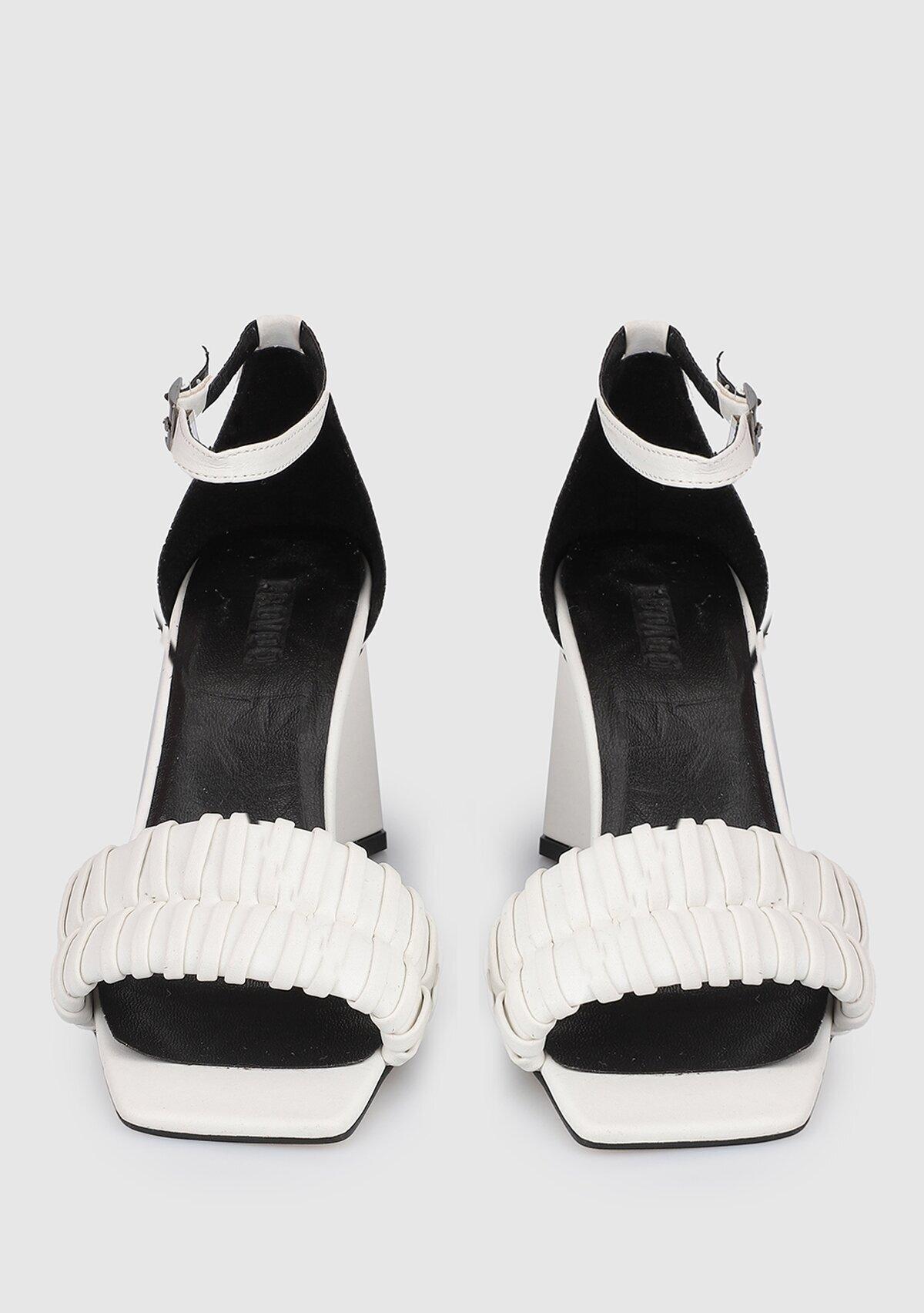 resm Kırık Beyaz Kadın Topuklu Sandalet