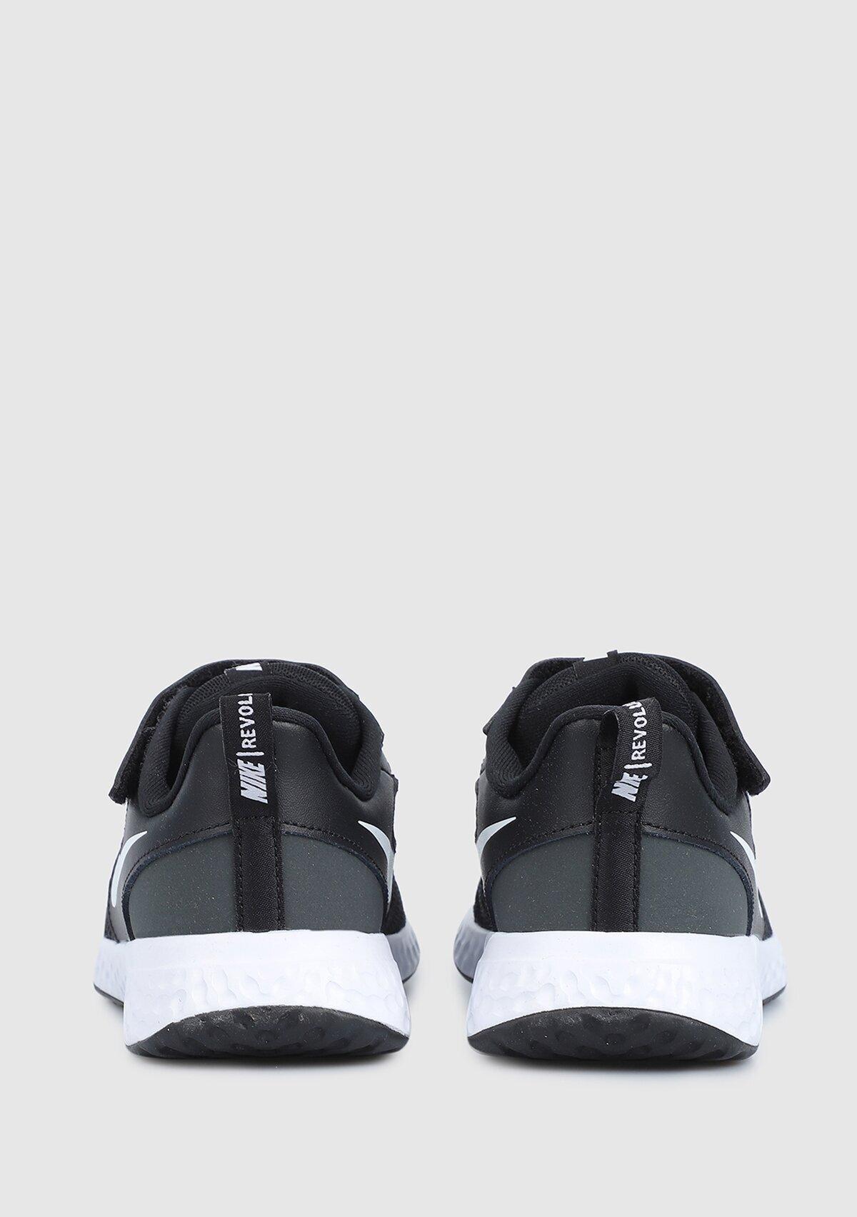 resm Revolution 5 Siyah Unisex Spor Ayakkabısı Bq5672-0