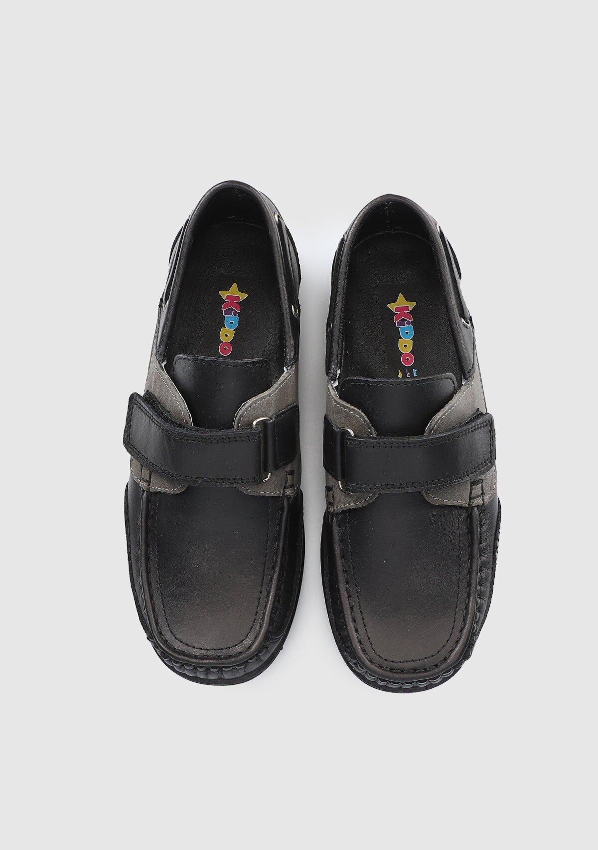 resm Siyah Deri Erkek Çocuk Sneaker