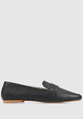 Resim Siyah Deri Kadın Ayakkabı